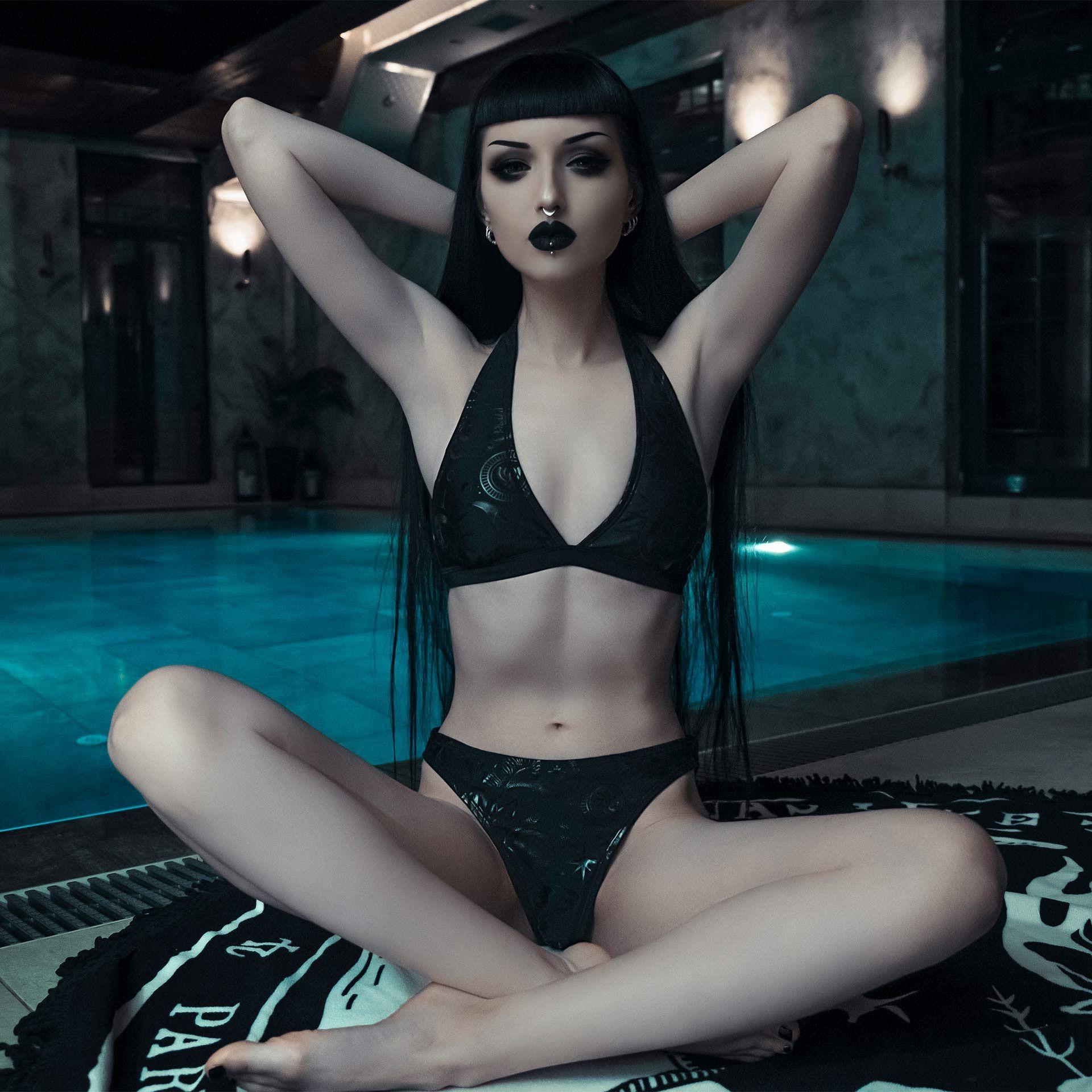 Killstar Beltane Two Piece Bikini-Set Gothique Noir Magique motifs triangeltop